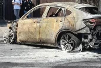Az autómentőn ismét kigyulladt a BMW, ami már Soroksáron kiégett egyszer