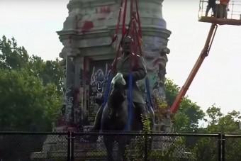 Nem találták meg a szobor alá helyezett időkapszulát