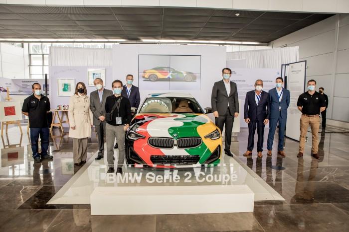 Este coche está escondido en los colores de dos países 3