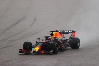 F1: Verstappen majdnem pórul járt az esőben