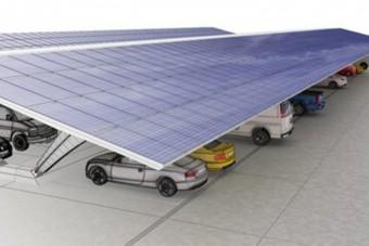 Kötelező napelem a parkolók fölé