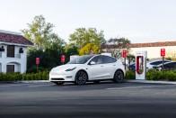 Lépéskényszerben a Tesla, csendben jött a nagy változás 1