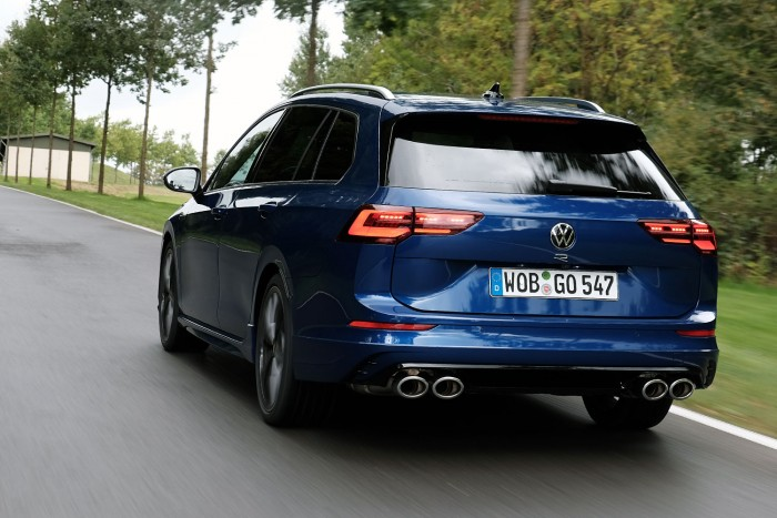 The family favorite has gone wild - VW Golf R Variant 2021 10