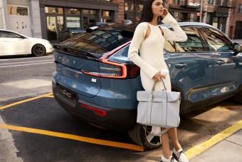 Divatos táska készül az új autók belsejéből