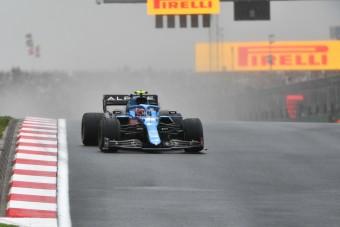 19-re húzott lapot az F1-es pilóta
