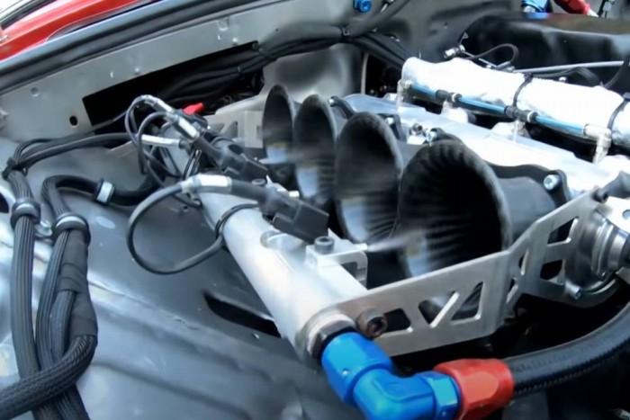 Gyönyörűen szól ez a 213 lóerősre húzott magyar Lada-motor