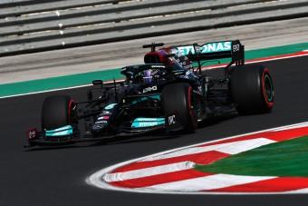 F1: Hamilton újabb rajtbüntetést kaphat