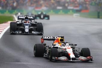 F1: Hiába vezet újra, aggódni kezdett a Red Bull
