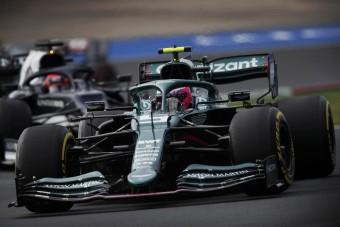 F1: Magát hibáztatja a baklövésért Vettel