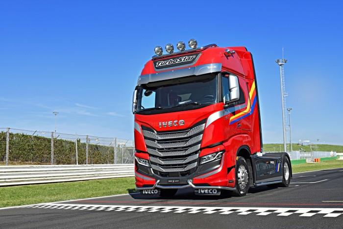 Így emlékezett meg az Iveco a legendás kamionos sorozatról