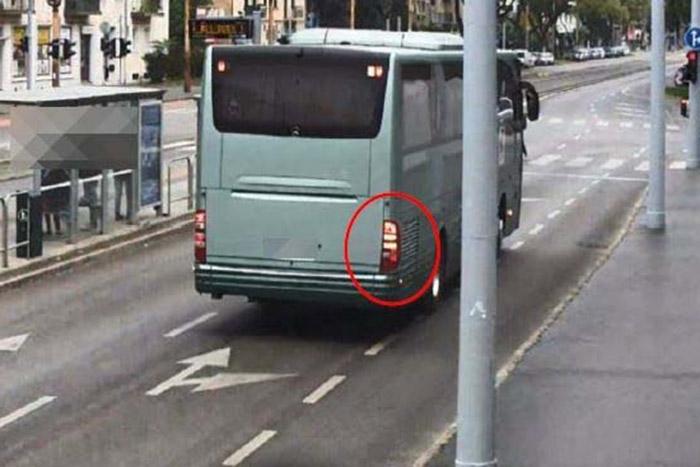 12-vel gázolt halálra egy busz egy rollerest Budán
