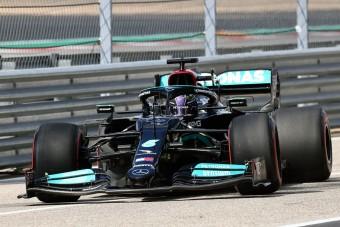 F1: Komoly rizikó fenyegeti Hamiltont