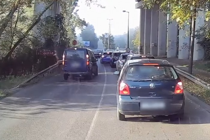 Visszaütött a karma a magyar autósnak, amikor pofátlankodni próbált