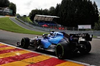 F1: Pilótát cserél az egyik csapat, nem akárki tér vissza