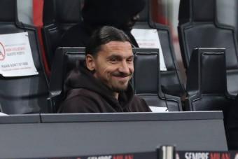 Ibrahimović 40 éves lett, ezzel az aranyszínű autóval lepte meg magát